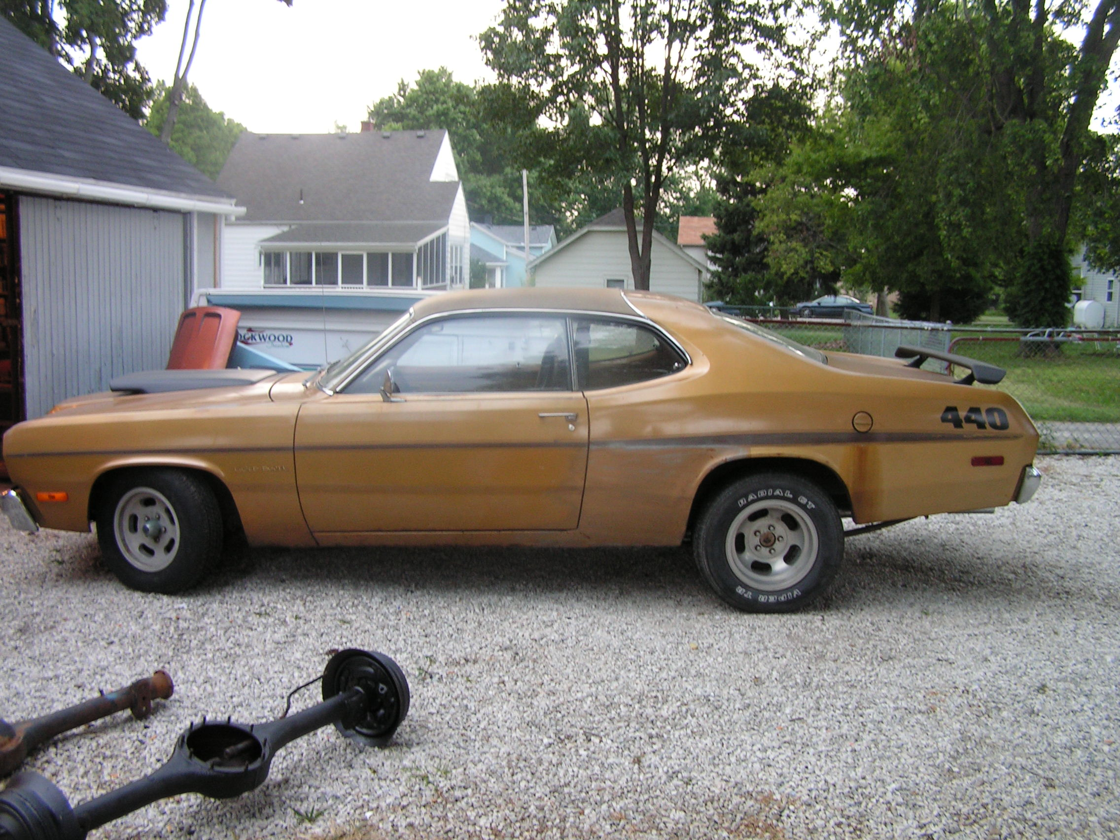 Mikie's 1973 Gold Duster